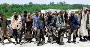 walking_dead_what_lies_ahead_zombie_hord