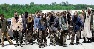 walking_dead_what_lies_ahead_zombie_hord